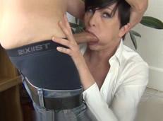 Facefucking con la directora de mi empresa
