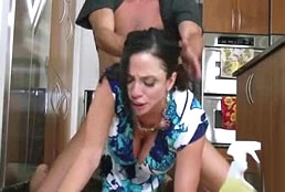 imagen Follada bestial con la mujer de la limpieza