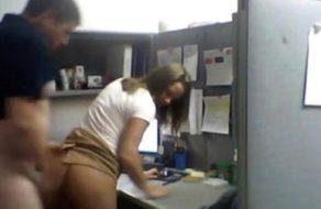 imagen Graba con cámara oculta el polvazo a su nueva secretaria