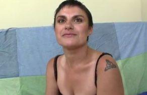 imagen Madura española prueba el porno por morbo y por sus ganas de vicio