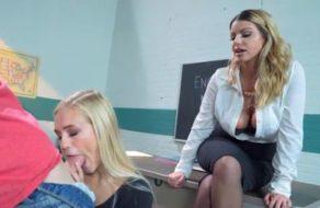 imagen Profesora viciosa enseña a follar a sus alumnos después de clase