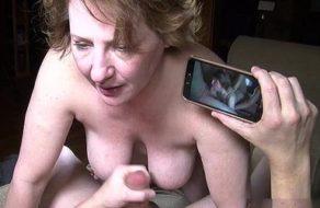 imagen Marido graba a la vieja y tetona de su mujer follando de forma cerda