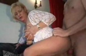 imagen Milf infiel folla con un compañero de trabajo cuando su marido no está