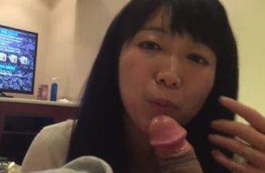imagen Folla amiga asiática hace una mamada muy erótica
