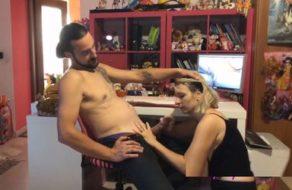 Esposa italiana obedece a su marido y folla con el como una perra sumisa