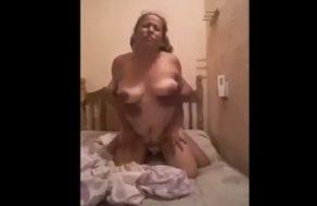 Follada casera con mexicana madura y gorda de grandes tetas