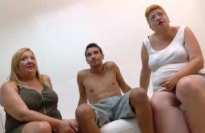 Gordas viciosas españolas están locas por ser penetradas por yogurines