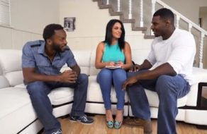 Negros le dan clases de inglés a cambio de follarla como una puta