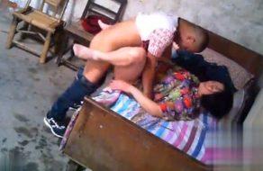 imagen Ama de casa china se prostituye para pagar la hipoteca