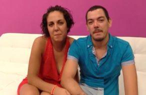 imagen Madurita española vendida por su novio para follar con otro tío