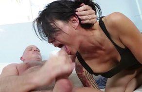 imagen Trágate la leche ¡Perra! –A esta mujer le gusta que la dominen-