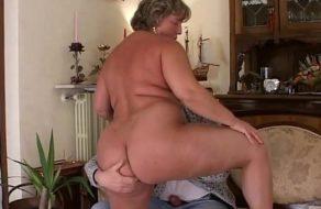Señora italiana haciendo porno con su marido ¡esta buena!