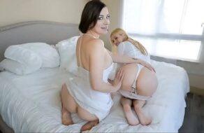 Su madre y su tía quieren que se las folle muy duro