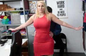 Vanessa Cage follada por haber intentado robar en una tienda